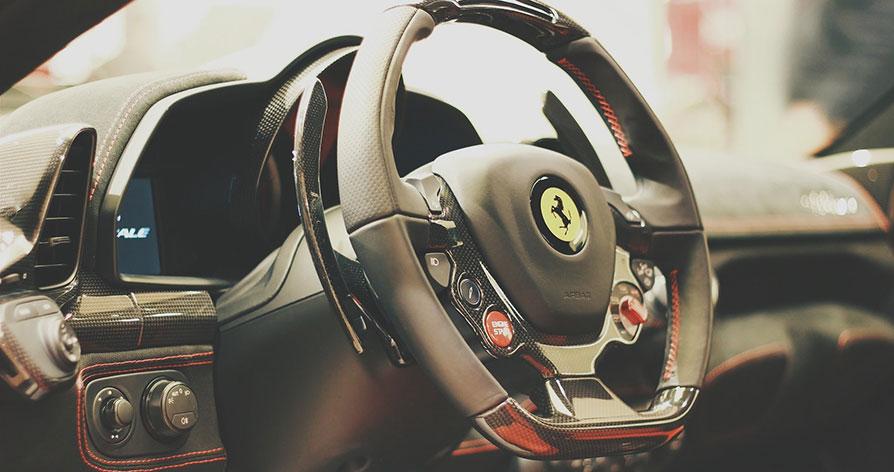 Köra Ferrari - en fantastisk present
